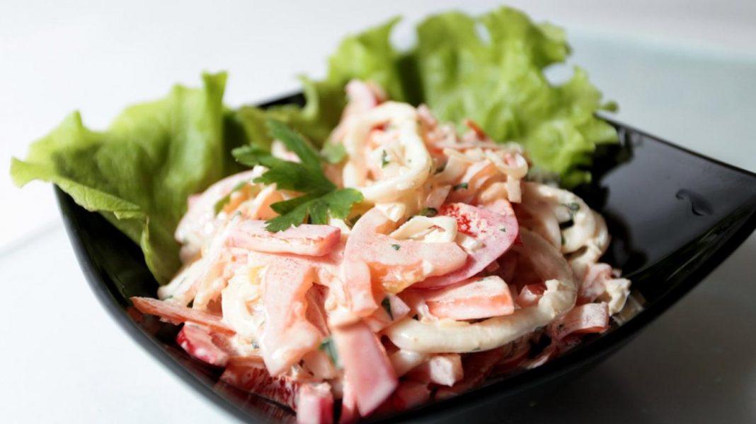 Салат с кальмарами и болгарским перцем